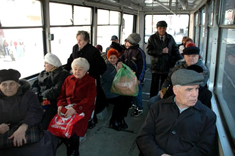 Увольнение на пенсию работающих военных пенсионеров